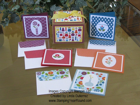 SUMMER SMOOCHES CARD-IN-A-BOX ENSEMBLE