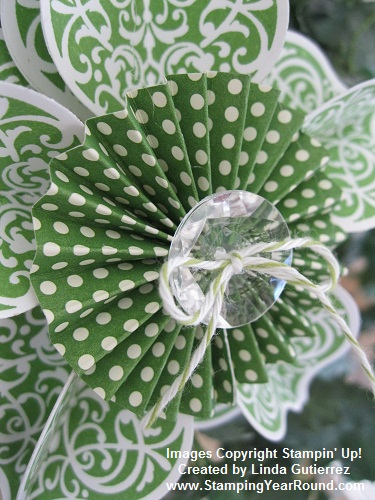 GUMBALL GREEN ORNAMENT CLOSE UP