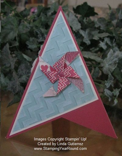 Pyramid card pinwheel