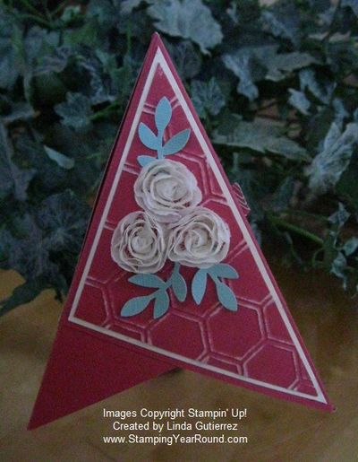 Pyramid card flower trim